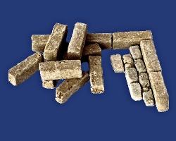 30 alte Bordsteine, Bordsteinkanten Granit 1:35