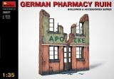 Deutsche Apothekenruine, Halbrelief in 1:35